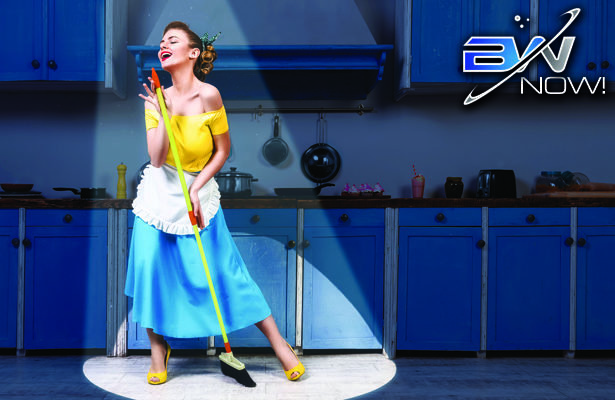 Happy Housewife Revives 1950s, Delights in Dishes, Laundry and Dressing Up